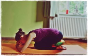 5 Relaxing Yoga Exercises for a Good Night Sleep shashankasana-child-pose